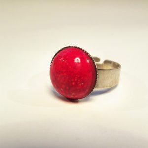 Piros színű, csipkés kerámia gyűrű