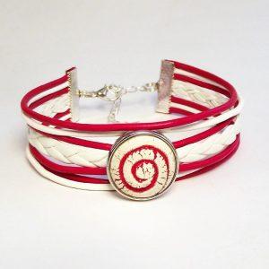 Piros-fehér bőr fonatos patent karkötő piros csigavonalas aromapatenttal- www.aromaekszer.hu