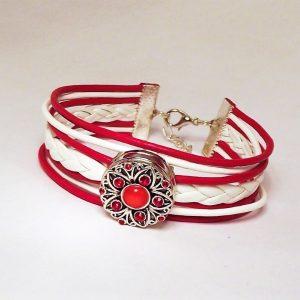Piros-fehér bőr fonatos patentkarkötő piros virágos fémpatenttal - www.aromaekszer.hu