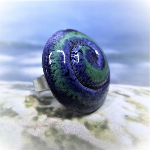 Kék-zöld mázas spirál mintás kerámia gyűrű - www.aromaekszer.hu