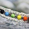 Harmónia - Fonatos bőr karkötő szivárványszínű kerámia gyöngyökkel - www.aromaekszer.hu